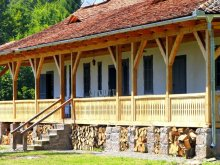 Cabană Nicorești, Casa de vânătoare Dobrica