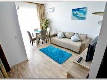 Apartament Mărculești-Gară, Luxury Saint-Tropez Studio by the sea