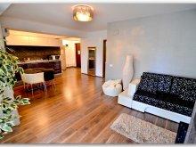 Accommodation Mamaia-Sat, Luxury London Apartment by the lake
