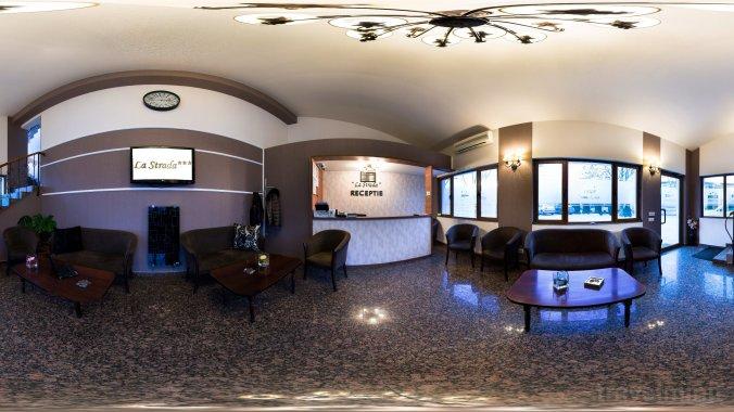 Hotel La Strada Ploiești