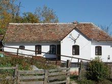 Kulcsosház Kisfehéregyház (Albeștii Bistriței), Faluvégi Kulcsosház