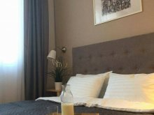 Hotel Apátkeresztúr (Crestur), Camino Villa