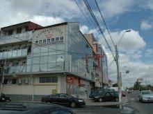 Szállás Udați-Mânzu, Floria Hotel