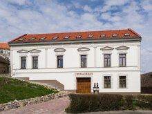 Casă de oaspeți Villány, Casa de oaspeți Brigadéros