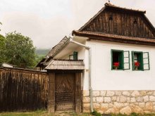 Kulcsosház Magyarmacskás (Măcicașu), Zabos Kulcsosház