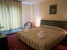 Hotel Vulcan, Hotel Regal