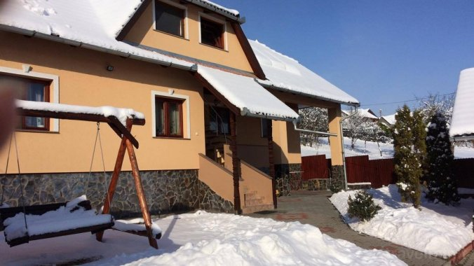 Eszter Guesthouse Zetea