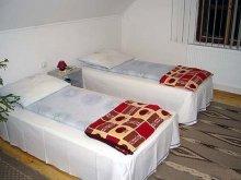 Casă de oaspeți Săucești, Casa de oaspeți Adorján