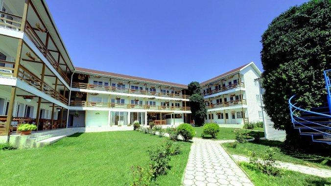 White Inn Hostel Costinești