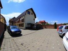 Pensiune Ocna Sibiului, Pensiunea Denim