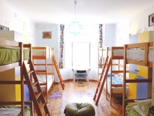 Accommodation Ungureni (Valea Iașului), Centrum House Hostel