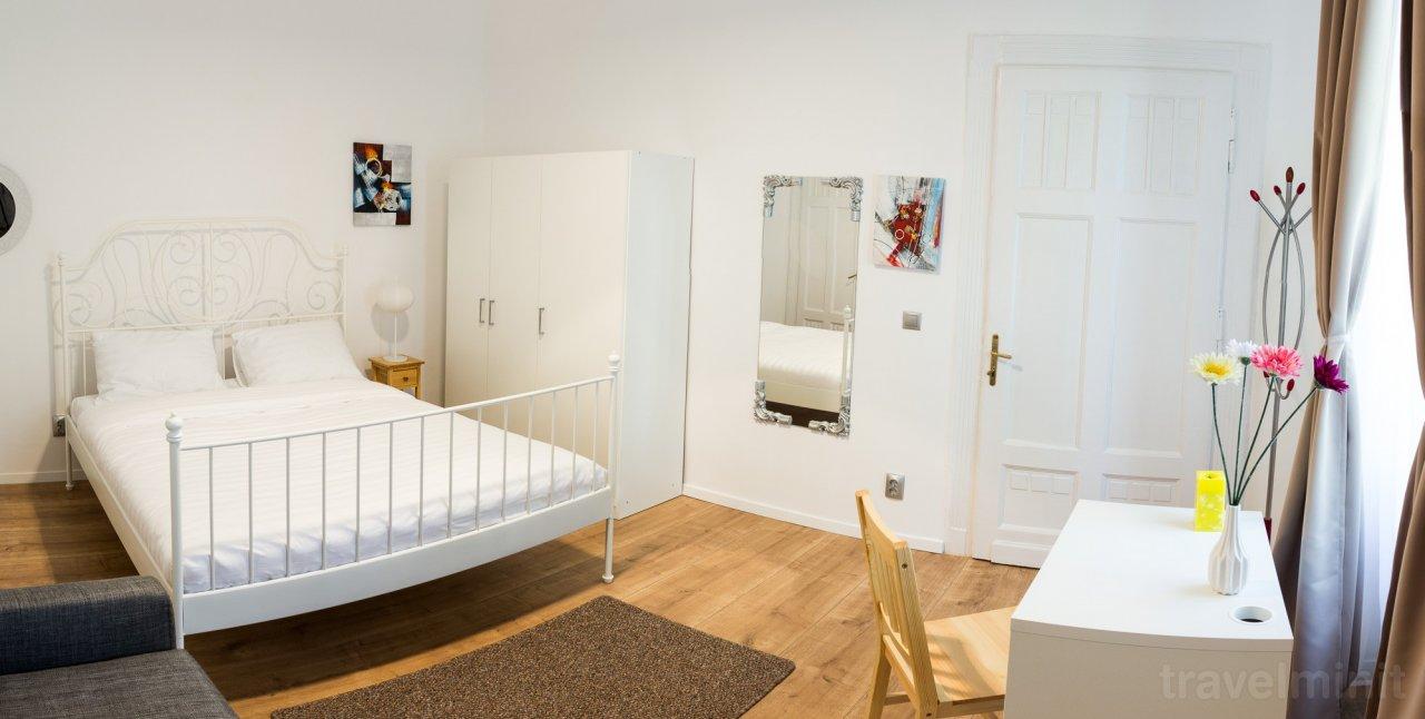 White Studio Apartment Cluj Napoca