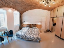 Apartament Cârăști, Apartament Studio K