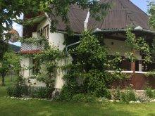 Kulcsosház Alsópéntek (Pinticu), Cseke Kulcsosház