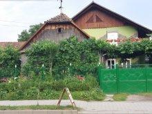 Casă de oaspeți Corunca, Casa de oaspeți Kádár