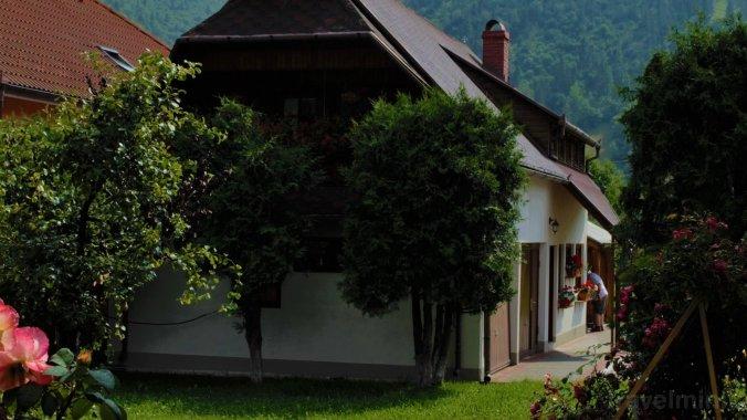 Casa mică Legendară Ghimeș
