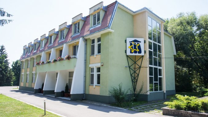 Education Center Arcuș