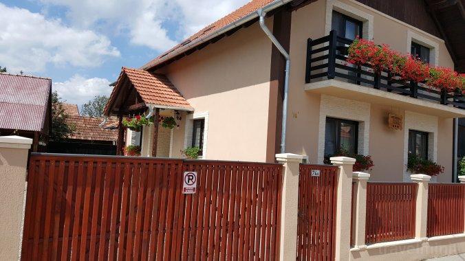 Alexa Guesthouse Sâncraiu