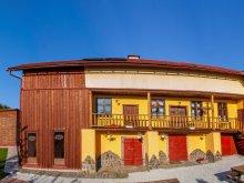 Apartament Călugăreni, Apartament Potcoava de Aur