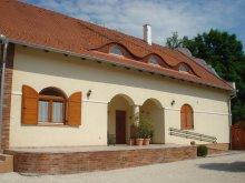 Casă de oaspeți Dunasziget, Casa Napvirág