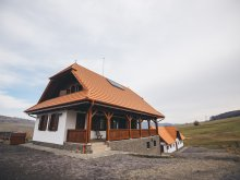Kulcsosház Felsőszombatfalvi üdülőtelep (Stațiunea Climaterică Sâmbăta), Szenttamási Kulcsosház