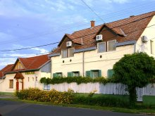 Guesthouse Sarud, Unicum Guesthouse