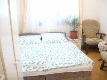 Nyaraló Magyarország, Strandközeli szépen berendezett 4 fős apartman Balatonbogláron (BO-73)