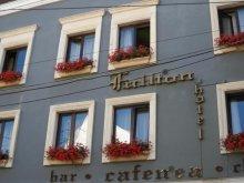 Hotel Erdövásárhely (Oșorhel), Hotel Fullton