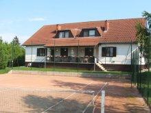 Pachet Ungaria, Casa de oaspeti Tenisz
