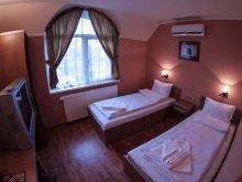 Accommodation Chegea, Al Capone Motel