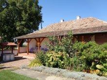 Accommodation Akasztó, Tranquil Pines - Rose Garden Cottage