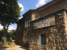 Hostel Mogyorósbánya, Green Garden Hostel