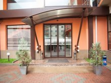 Hotel Erdöszombattelke (Sâmboieni), Premier Hotel