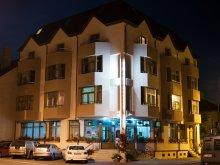 Hotel Kékesvásárhely (Târgușor), Hotel Cristal
