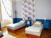 Hostel Balatonvilágos, White Rabbit Hostel