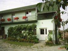 Bed & breakfast Sândominic, Dombonjó Guesthouse