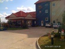 Hotel Hegyköztóttelek (Tăutelec), Hotel Iris
