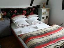 Accommodation Desești, Casa Faină Villa