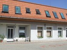 Bed & breakfast Tiszalök, Korona Guesthouse