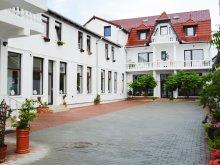 Pensiune Ghirbom, Villa Santa Maria