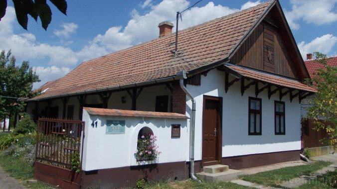 Casa Csillik Tiszanána
