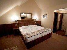 Hotel Fadd, Casa Borostyán