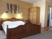Accommodation Zirc, Almaliget Apartment