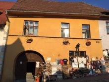 Casă de oaspeți Hălmeag, Casa Morar