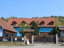 Pensiune Valea Gârboului, Pensiunea Csipkeszegi