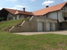 Casă de oaspeți Dombori, Casa de oaspeți Puttonyos