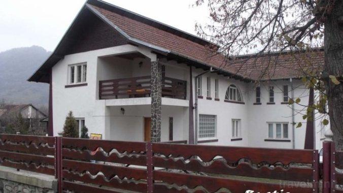 Rustic Argeșean Guesthouse Corbeni