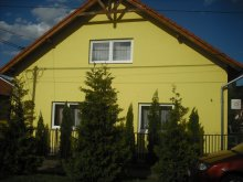 Guesthouse Dédestapolcsány, Napsugár Guesthouse