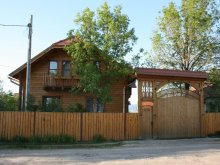Chalet Sândominic, Borostyán Guesthouse