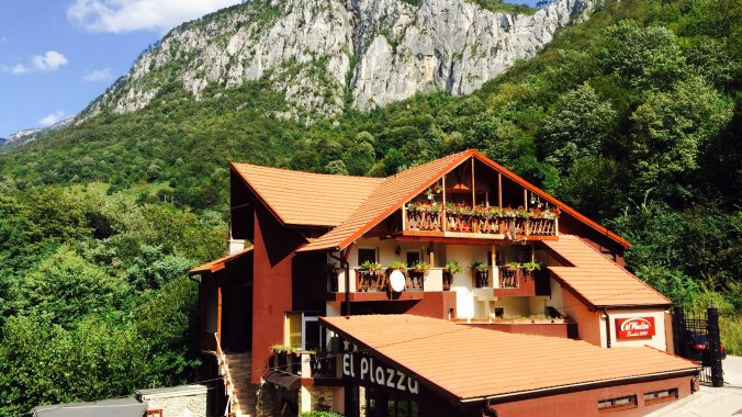 El Plazza Guesthouse Băile Herculane